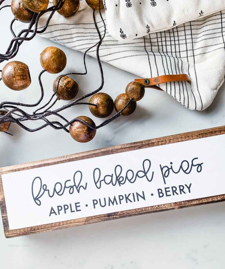 DIY Wood Fall Sign Fresh Baked Pies