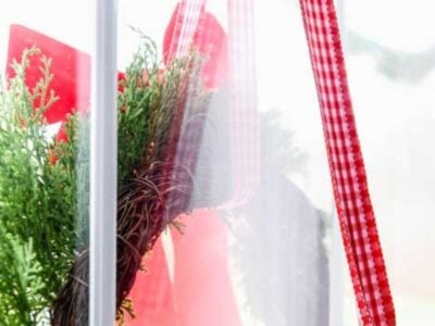How to Hang Christmas Wreaths on Exterior Windows the EASY Way!