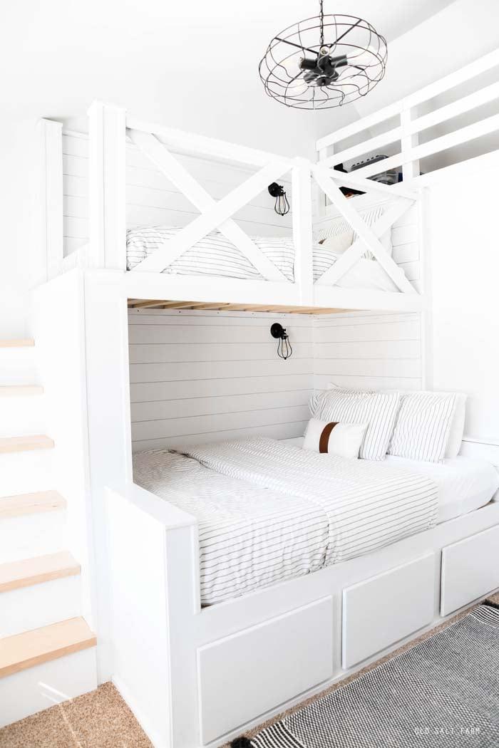 DIY Built-in Bunk Beds